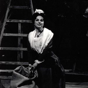 Ana Maria Miranda dans le rôle-titre - Mireille, de Charles Gounod